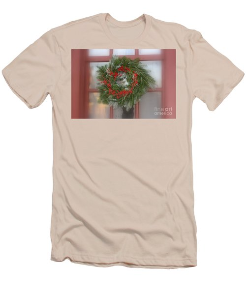 Williamsburg Wreath Men's T-Shirt (Athletic Fit)