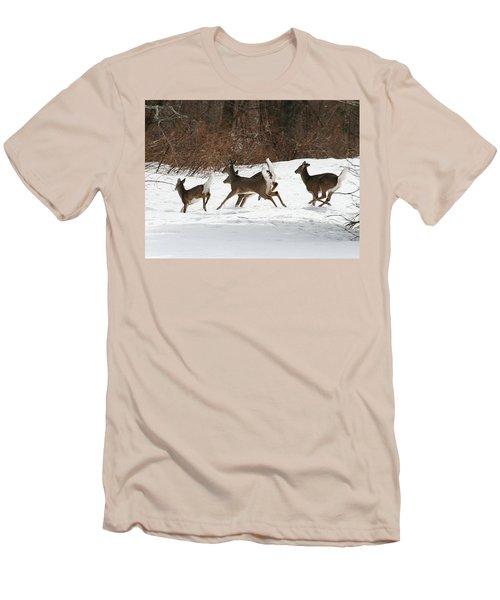 White Tailed Deer Winter Travel Men's T-Shirt (Slim Fit)