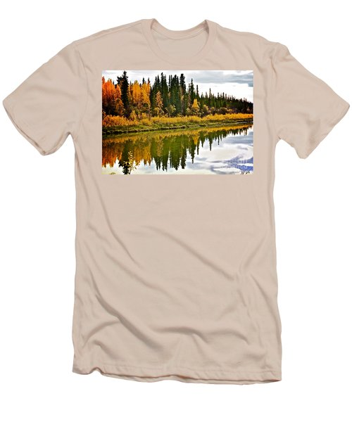 Yukon Autumn Men's T-Shirt (Athletic Fit)