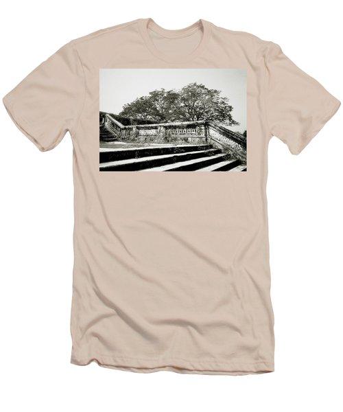 Hue  Men's T-Shirt (Athletic Fit)