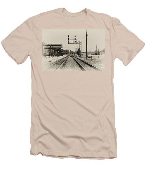 Salisbury North Carolina Depot Men's T-Shirt (Slim Fit) by Wilma  Birdwell