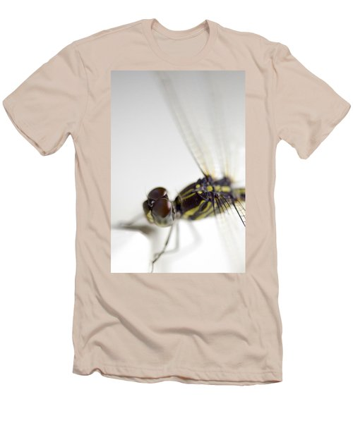 Close Up Shoot Of A Anisoptera Dragonfly Men's T-Shirt (Athletic Fit)