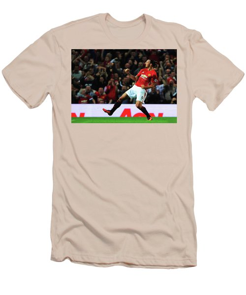 Manchester United's Zlatan Ibrahimovic Celebrates Men's T-Shirt (Slim Fit) by Don Kuing