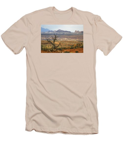 #3090 - Moab, Utah Men's T-Shirt (Athletic Fit)