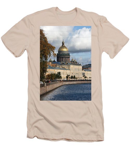 St. Petersburg Men's T-Shirt (Athletic Fit)