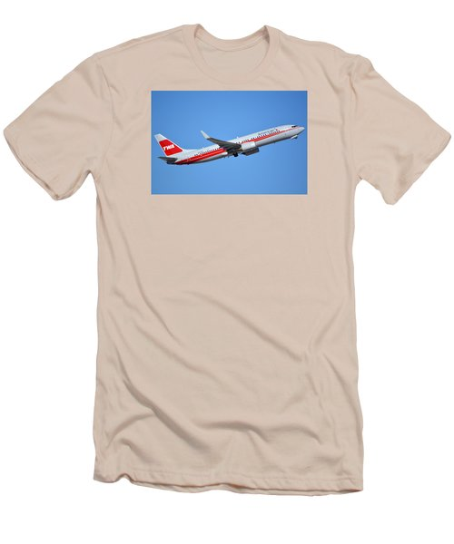 American Boeing 737-823 N915nn Retro Twa Phoenix Sky Harbor January 12 2015 Men's T-Shirt (Slim Fit)