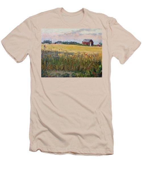 Barn In A Field Of Grain Men's T-Shirt (Athletic Fit)