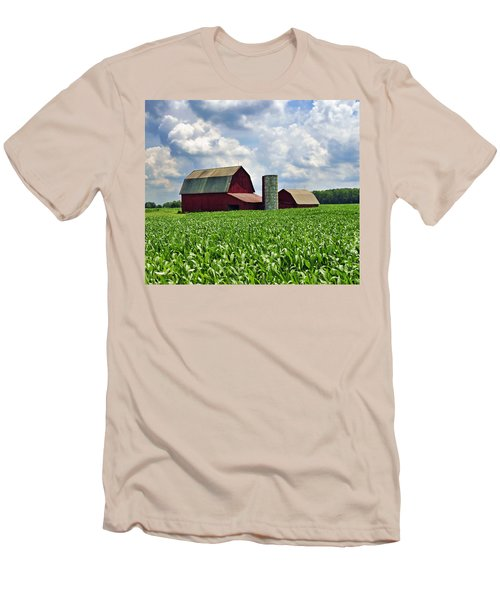 Barn In The Corn Men's T-Shirt (Athletic Fit)