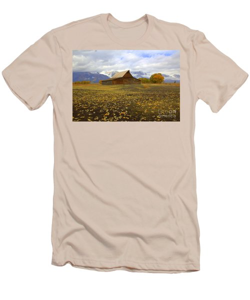 Barn On Mormon Row Utah Men's T-Shirt (Athletic Fit)