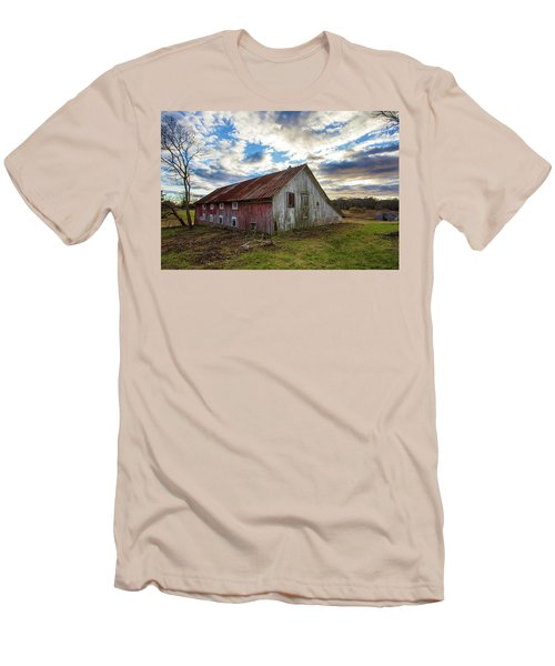 Bay Avenue Barn Men's T-Shirt (Athletic Fit)