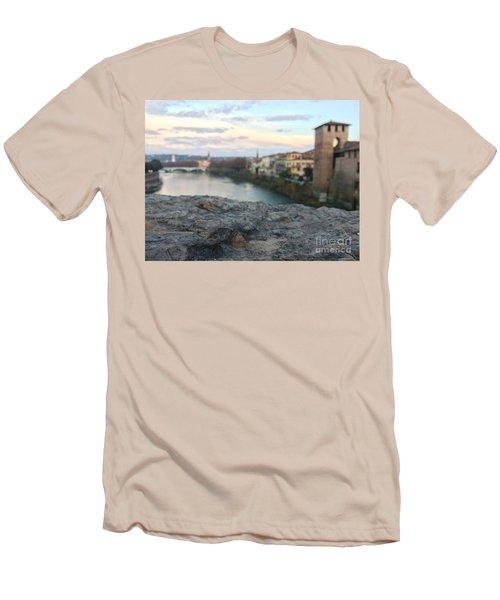 Blurred Verona Men's T-Shirt (Athletic Fit)