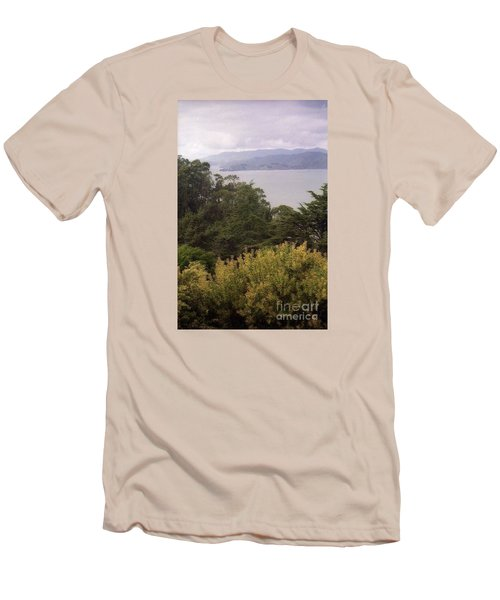California Coast Fan Francisco Men's T-Shirt (Athletic Fit)