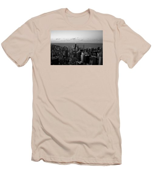 Chicago Skyline Bw Men's T-Shirt (Athletic Fit)
