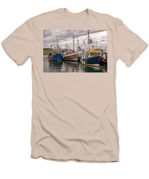 Dingle Harbour Men's T-Shirt (Athletic Fit)