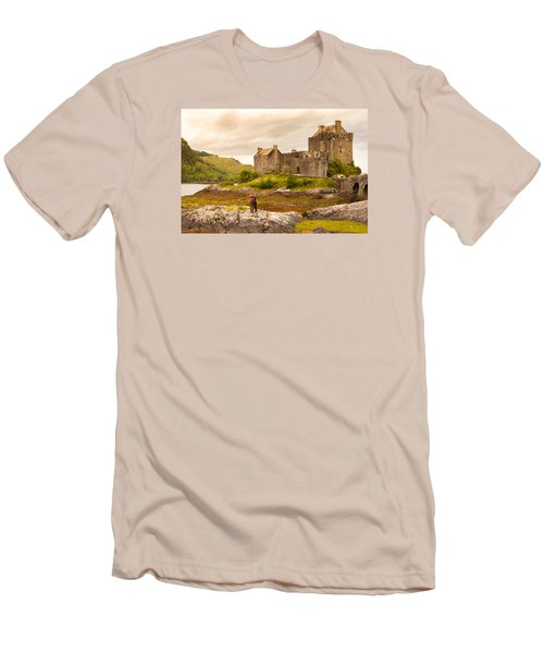 Donan Castle Men's T-Shirt (Athletic Fit)