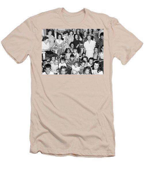 Eleanor Roosevelt And Children Men's T-Shirt (Athletic Fit)