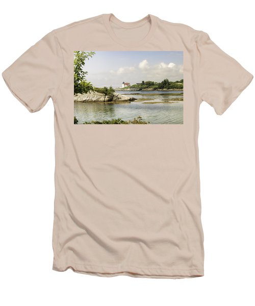 Hendricks Head Lighthouse Men's T-Shirt (Athletic Fit)