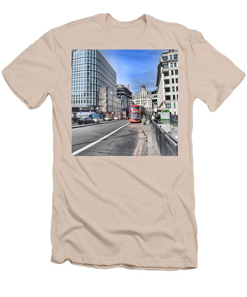 London City Men's T-Shirt (Slim Fit)