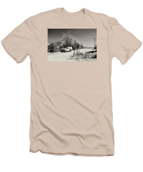 Long Way To Tennessee Men's T-Shirt (Slim Fit) by Juergen Klust