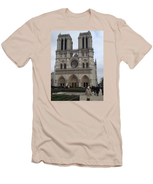 Notre Dame Men's T-Shirt (Athletic Fit)