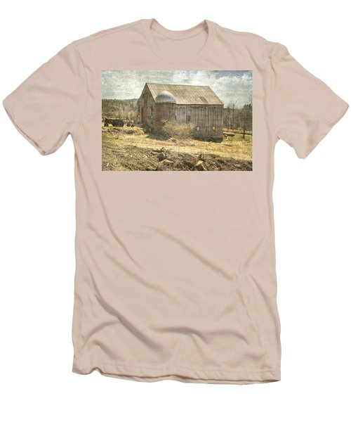 Old Barn Still Standing  Men's T-Shirt (Athletic Fit)