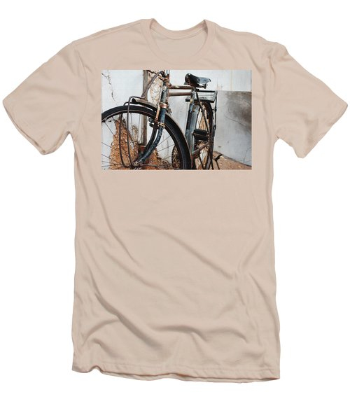 Old Bike II Men's T-Shirt (Athletic Fit)