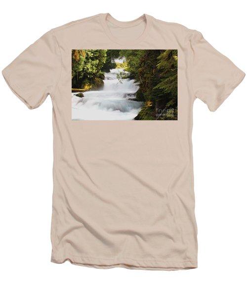 Oregon Cascade Men's T-Shirt (Athletic Fit)