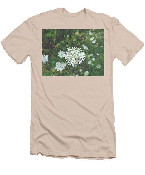 Pale Queen Men's T-Shirt (Athletic Fit)