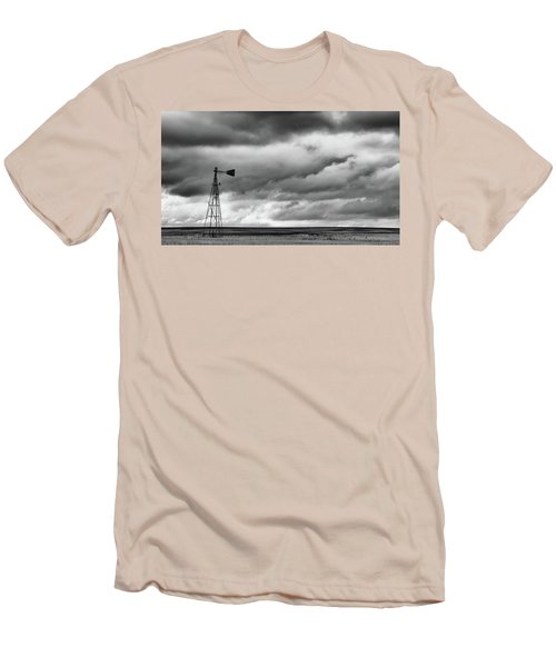 Perched And Looking Men's T-Shirt (Athletic Fit)