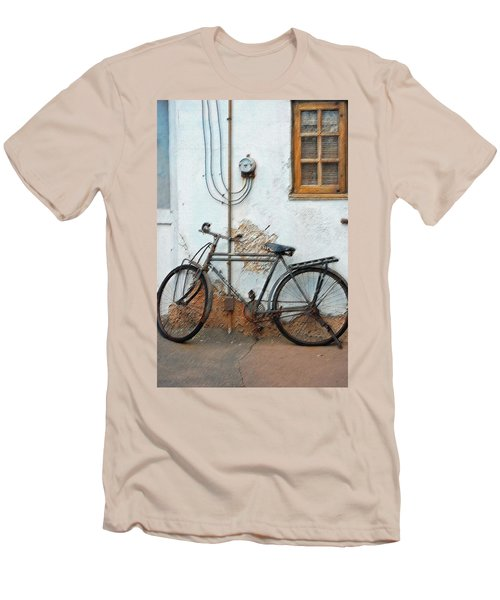 Rough Bike Men's T-Shirt (Athletic Fit)