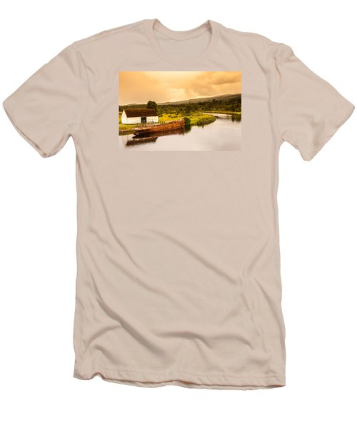 Scottish Loch 2 Men's T-Shirt (Athletic Fit)
