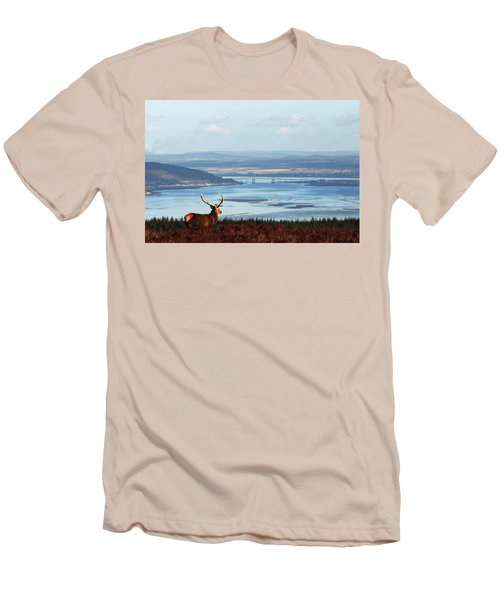 Stag Overlooking The Beauly Firth And Inverness Men's T-Shirt (Athletic Fit)