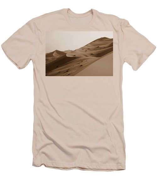 Uruq Bani Ma'arid 2 Men's T-Shirt (Athletic Fit)