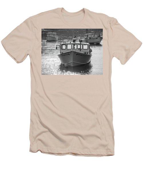 Winter Harbor, Maine  Men's T-Shirt (Athletic Fit)