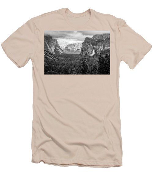 Yosemite View 38 Men's T-Shirt (Athletic Fit)