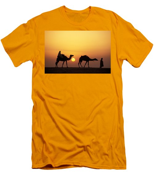 Caravan Morocco Men's T-Shirt (Athletic Fit)