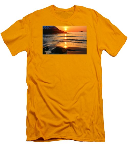 Golden Morning Singing Beach Men's T-Shirt (Slim Fit) by Michael Hubley