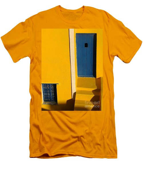 Santorini Doorway Men's T-Shirt (Athletic Fit)