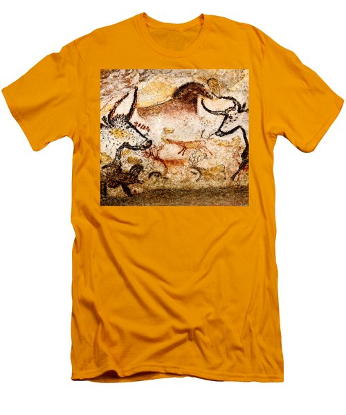 Lascaux Hall Of The Bulls - Deer Between Aurochs Men's T-Shirt (Athletic Fit)