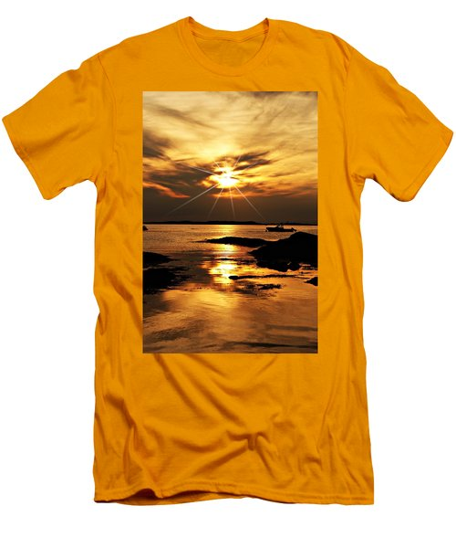 Plum Cove Beach Sunset E Men's T-Shirt (Slim Fit) by Joe Faherty