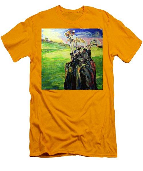 Schwarze Golftasche  Black Golf Bag Men's T-Shirt (Slim Fit) by Koro Arandia