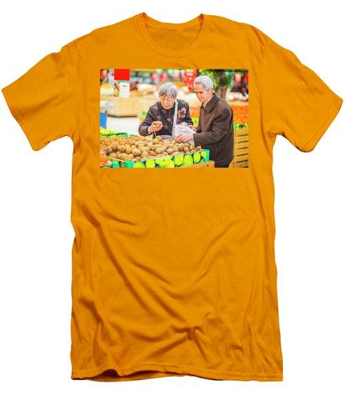 Senior Man And Woman Shopping Fruit Men's T-Shirt (Athletic Fit)