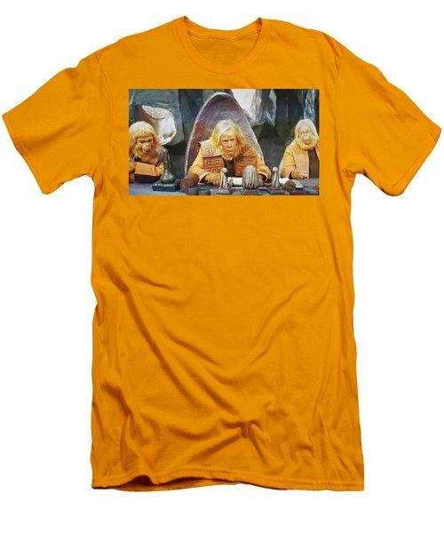 Tribunal Trump Men's T-Shirt (Athletic Fit)