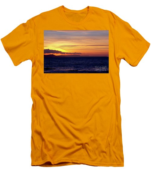 Weymouth To Purbeck Men's T-Shirt (Athletic Fit)