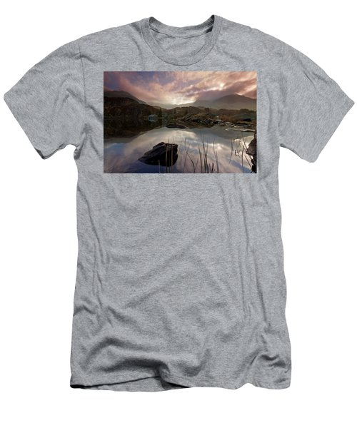 Llyn Ogwen Sunset Men's T-Shirt (Athletic Fit)