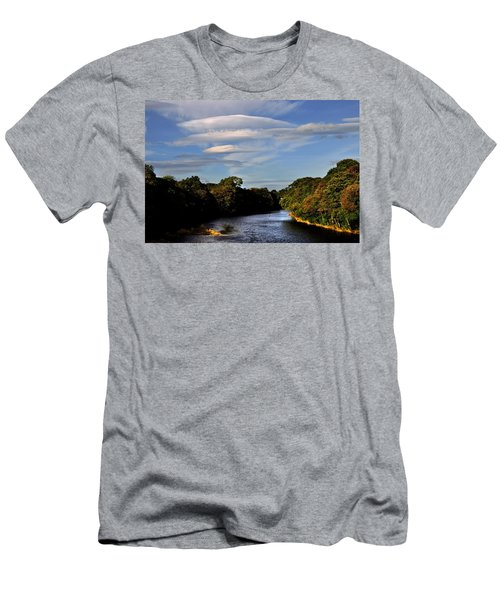 The River Beauly Men's T-Shirt (Athletic Fit)
