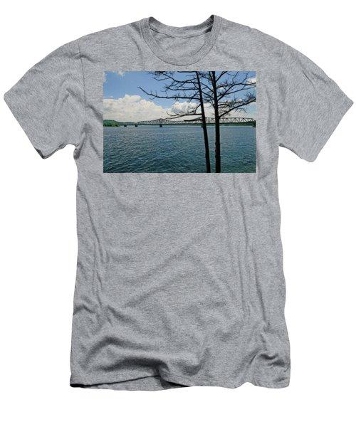 Kimberling City Bridge Men's T-Shirt (Athletic Fit)