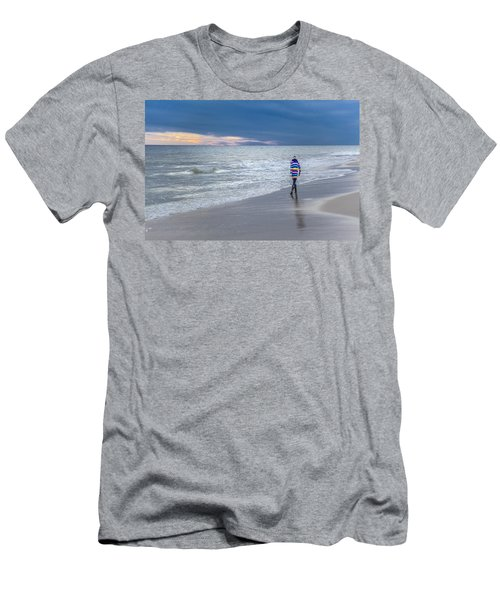 Little Girl At The Beache Men's T-Shirt (Athletic Fit)