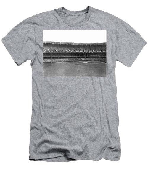 New Yankee Stadium Men's T-Shirt (Slim Fit)