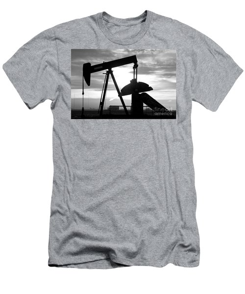 Oil Well Pump Jack Black And White Men's T-Shirt (Athletic Fit)